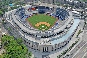 300px-Le_Yankee_Stadium